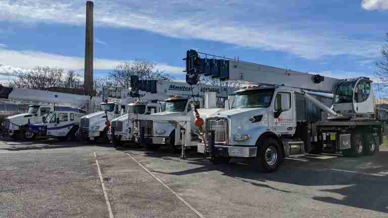 Dependable Crane Truck Rental Fleet
