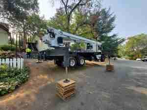 crane rental for apartment complex