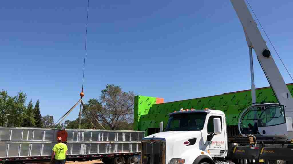 Medical Center HVAC Crane Rental